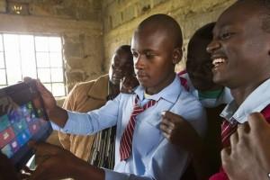 4afrika_windows_tablet_school