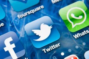 socialmedia_fb_twitter_whatsapp