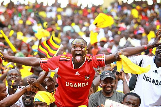 UGANDA-CRANES-FANS