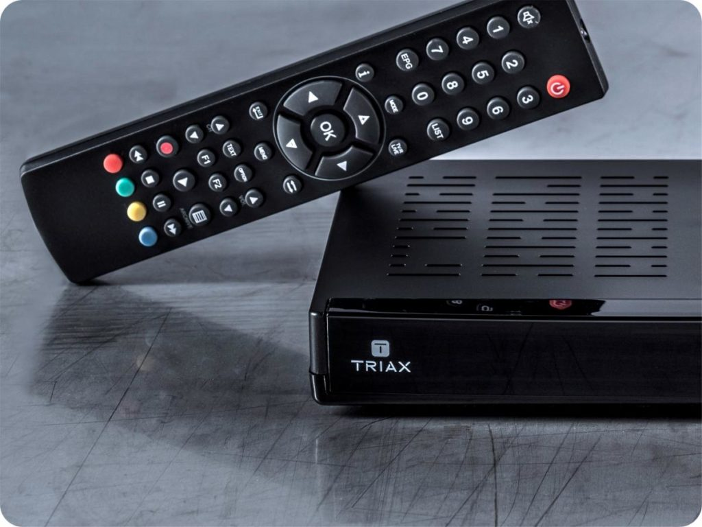 How a set-top box TV decoder works - Dignited