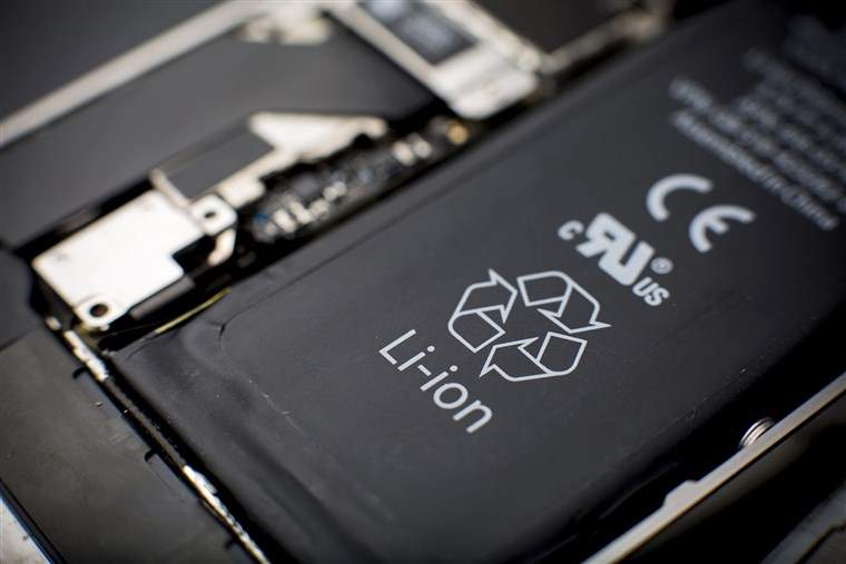 Why Most Smartphone Devices Use Lithium-Ion Batteries - Dignited