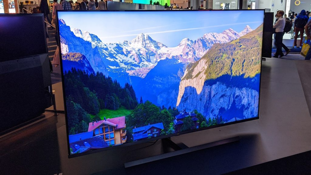 TCL mini-LED TV