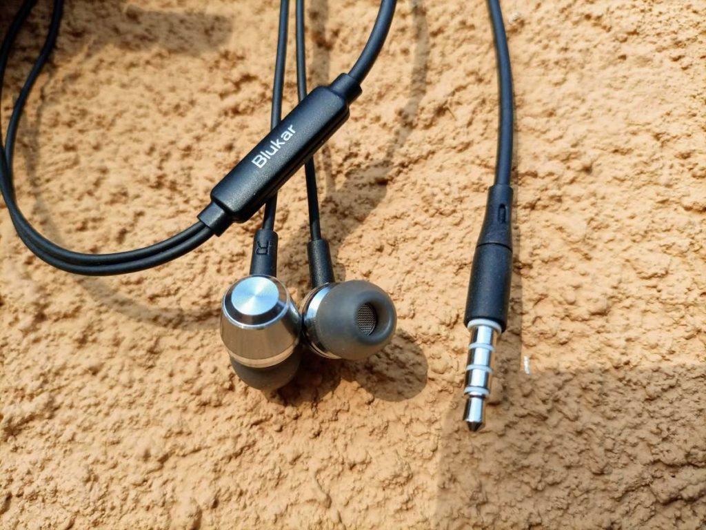 Blukar earphones