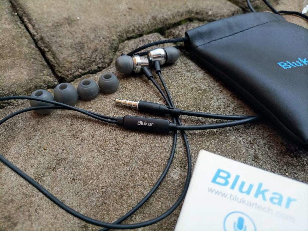 Wired Blukar earphones