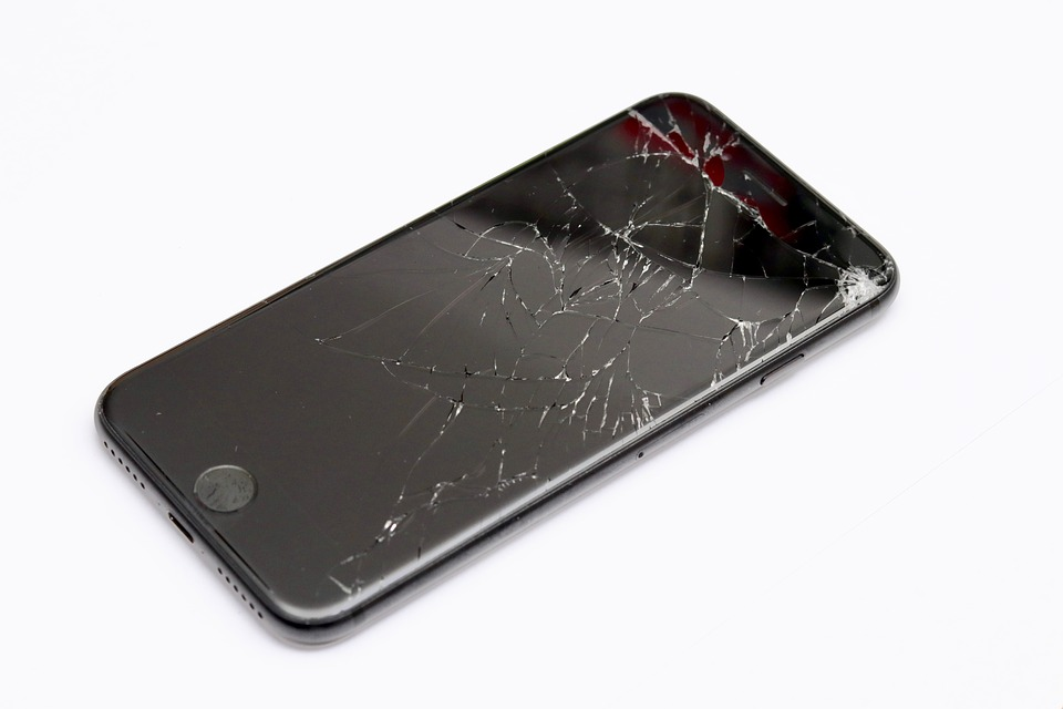 iPhone screen not working cracked